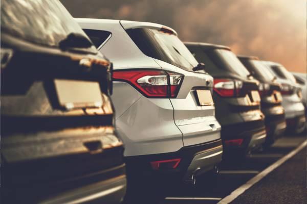 Nya bilar hos bilhandlare